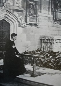 William Tompkins at Shakespeare's grave, 1920