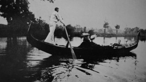 Marie Corelli in her gondola on the Avon