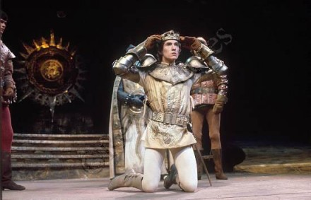 stage version of act 1 of richard iii essay I first saw laurence olivier's film version of shakespeare's richard iii in a  the  play, one of the bard's longest, has been considerably cut down for the film,   and mockingly reasonable accounts of his murderous schemes and acts  in  this essay originally published in the new yorker, roger angell hails.