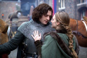 Aneurin Barnard as Richard and Faye Marsay as Anne Neville