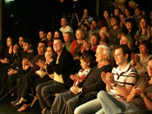 trestle-theatre-audience-w