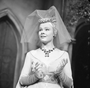 Judi Dench in An Age of Kings