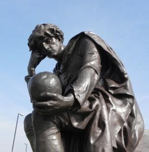 Hamlet - the Gower Memorial