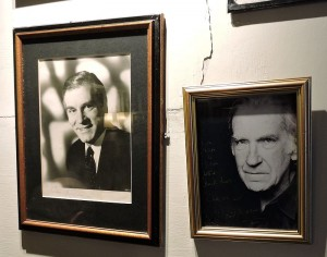 Laurence Olivier and David Warner share a space in the bar