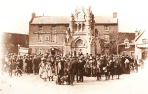 The suffragettes meeting in Stratford, 16 July 1913
