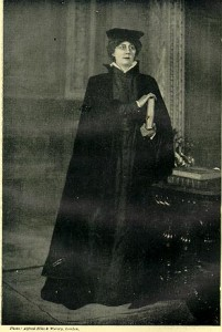 Violet Vanbrugh as Portia