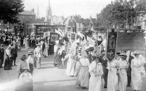 The suffragettes' march in Stratford 16 July 1913. Photo from Windows on Warwickshire