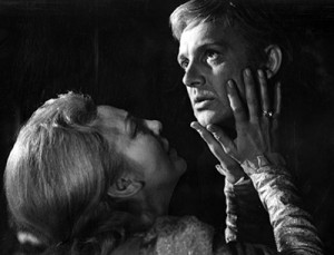 Gertrude and Hamlet in the Kosintsev film of Hamlet